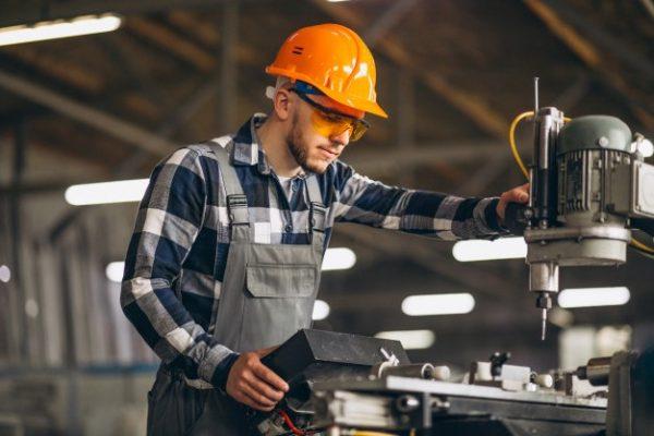 male-worker-factory_1303-143062